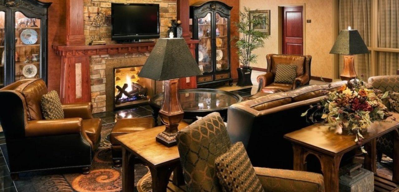 Deadwood lodge lobby