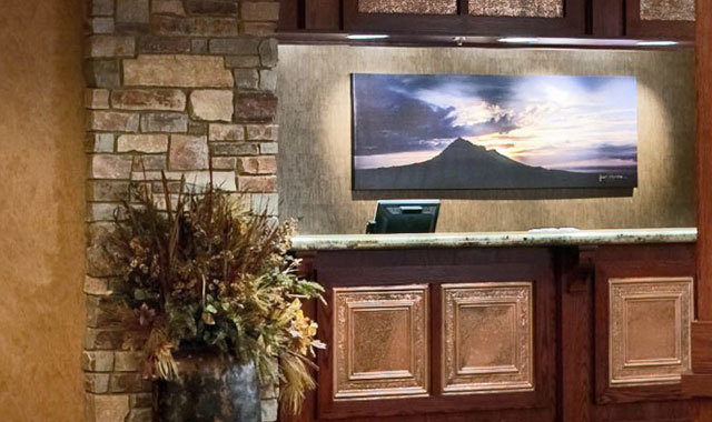 the front desk at the Lodge at Deadwood